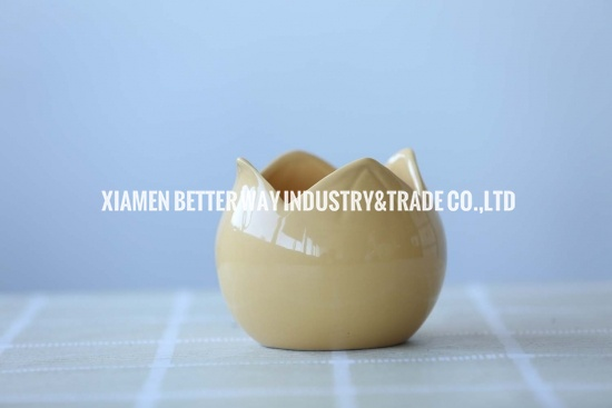 Cream Creamic Pots Lotus Shape