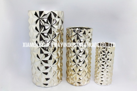 simple gold ceramic vase