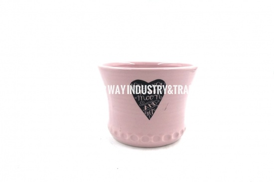 clay pretty pot